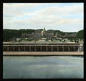view [Château de Vaux-le-Vicomte]: the château and its gardens. digital asset: [Château de Vaux-le-Vicomte]: the château and its gardens.: 1936 Jun.