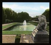 view [Château de Vaux-le-Vicomte]: lion sculpture and fountain in the gardens. digital asset: [Château de Vaux-le-Vicomte]: lion sculpture and fountain in the gardens.: 1936 Jun.