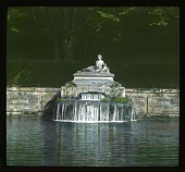 view [Château de Courances]: fountain in the gardens. digital asset: [Château de Courances]: fountain in the gardens.: 1936 Jul.