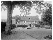 view [Manoir d'Archelles and Vicinity]: the gatehouse and adjacent building seen from the manor house.. digital asset: [Manoir d'Archelles and Vicinity] [glass negative]: the gatehouse and adjacent building seen from the manor house..