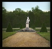 view [Château de Champs-sur-Marne]: statue of Diana the huntress in the garden. digital asset: [Château de Champs-sur-Marne]: statue of Diana the huntress in the garden.: 1936 Jul.