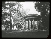 view [Versailles]: the Temple of Love at the Petit Trianon at Versailles. digital asset: [Versailles]: the Temple of Love at the Petit Trianon at Versailles.: [between 1914 and 1949]