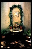 view [Dorothy's Garden]: wall fountain and relief. digital asset: [Dorothy's Garden]: wall fountain and relief.: 1997 Jun.