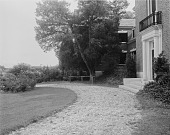 view [Holly Beach Farm]: circular driveway and front entrance to house. digital asset: [Holly Beach Farm] [glass negative]: circular driveway and front entrance to house.