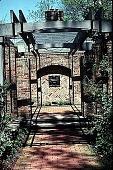 view [Hubbard Garden]: entrance to the house. digital asset: [Hubbard Garden]: entrance to the house.: 1996 May.