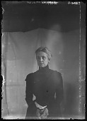 view [Miscellaneous Images in Maryland]: a studio-type portrait of an unidentified woman. digital asset: [Miscellaneous Images in Maryland] [glass negative]: a studio-type portrait of an unidentified woman.