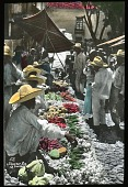 view [Miscellaneous Sites in Mexico]: a street market in an unidentified location. digital asset: [Miscellaneous Sites in Mexico]: a street market in an unidentified location.: 1937 Jan.