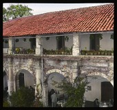 view [Miscellaneous Sites in Mexico]: a building, possibly a restaurant or hotel, in an unidentified location. digital asset: [Miscellaneous Sites in Mexico]: a building, possibly a restaurant or hotel, in an unidentified location.: 1937 Jan.