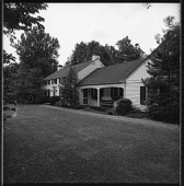 view [Buttonbrook]: front of house. digital asset: [Buttonbrook] [contact print and safety film negative]: front of house.