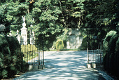 view [Oak Knoll]: Roman-style entrance to the estate. digital asset: [Oak Knoll]: Roman-style entrance to the estate.: 1984 Sep.