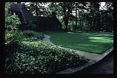 view [Stubblefield Garden]: facing east to house from driveway. digital asset: [Stubblefield Garden]: facing east to house from driveway.: 1995 May.