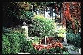 view [Moot Pointe]: west view of fine garden. digital asset: [Moot Pointe]: west view of fine garden.: 1997 Oct.