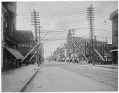 view [Miscellaneous Sites in Reading, Pennsylvania]: Penn Street looking west from the 700 block. digital asset: [Miscellaneous Sites in Reading, Pennsylvania] [glass negative]: Penn Street looking west from the 700 block.