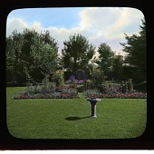 view [Longacre]: a view of the garden. digital asset: [Longacre]: a view of the garden.: [between 1914 and 1949?]