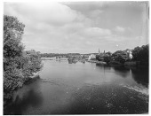 view [Miscellaneous Sites in Scotland]: looking across the river Tweed to Kelso. digital asset: [Miscellaneous Sites in Scotland] [glass negative]: looking across the river Tweed to Kelso.