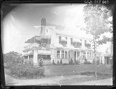view [Unidentified Garden]: house and garage digital asset: [Unidentified Garden]: house and garage.: [1920?]