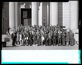view Group Portrait of the Meeting Participants of the 1971 Society of Vertebrate Paleontology digital asset number 1