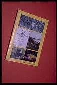 "view Book cover, ""Un Dia en La Isla de Barro Colorado, Panama"" by Marina Wong and Jorge Ventocilla, Panama, STRI digital asset number 1"