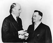 view Games Slayter (1896-1964), Fiberglass Inventor, Receives Franklin Institute Medal digital asset number 1