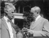 view Hiram Percy Maxim (left) and Edwin Emery Slosson (right) digital asset number 1