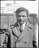 view Portrait of Innu [Mashteuiatsh (Pointe-Bleue, Quebec)] Man digital asset: Portrait of Innu [Mashteuiatsh (Pointe-Bleue, Quebec)] Man