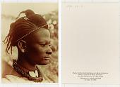 view Mandu, Nichte des Königs Njoya von Bamum, Kamerun Mandu, nièce du roi Njoya, Cameroun digital asset: Mandu, Nichte des Königs Njoya von Bamum, Kamerun Mandu, nièce du roi Njoya, Cameroun