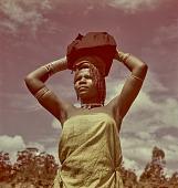 view Zulu woman, KwaZulu-Natal (South Africa) digital asset: Zulu woman, KwaZulu-Natal (South Africa)
