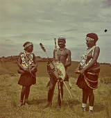 view Zulu young man with weaponry and young women, KwaZulu-Natal (South Africa) digital asset: Zulu young man with weaponry and young women, KwaZulu-Natal (South Africa)