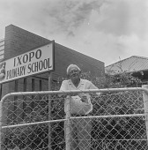 view Alan Paton in front of Ixopo Primary School, Ixopo (South Africa) digital asset: Alan Paton in front of Ixopo Primary School, Ixopo (South Africa)