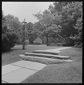 view Unidentified Garden (possibly in Fairfield, Connecticut) digital asset: Unidentified Garden (possibly in Fairfield, Connecticut)
