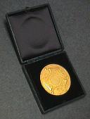 view Case, Medal, Gold, Daniel Guggenheim, American Institute of Aeronautics, Draper digital asset number 1