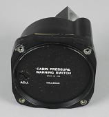 view Warning Switch, Cabin Pressure, Kollsman, Douglas DC-4E digital asset number 1
