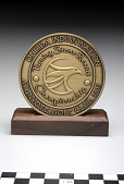 view Commemorative medal with stand digital asset number 1