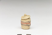 view Miniature basket with cover digital asset number 1