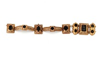 view Gold bracelet of eight links digital asset number 1