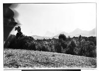 view Sahna (Iran): View towards Zagros Mountain Range digital asset: Sahna (Iran): View towards Zagros Mountain Range [graphic]