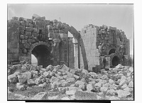 view Jerash (Lebanon): Hadrian's Arch: View of Ruins [graphic] digital asset number 1