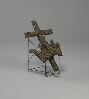 view <I>Wire frame, crown & cross on folding stand</I> digital asset number 1