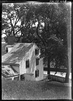 view [Unidentified Garden in Massachusetts, No. 1]: Colonial Revival house. digital asset: [Unidentified Garden in Massachusetts, No. 1]: Colonial Revival house.: [between 1920 and 1939]