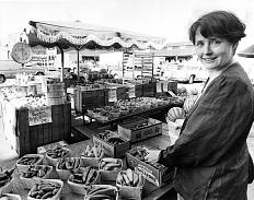 Alice Waters at a farmer's market in Detroit, 1984