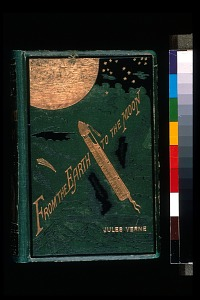 Book cover of <em>From Earth to the Moon</em> by Jules Verne