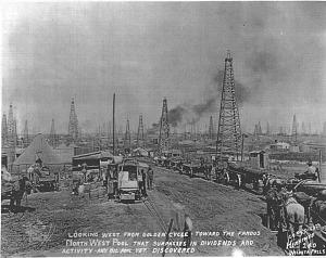 Texas oil field, 1919
