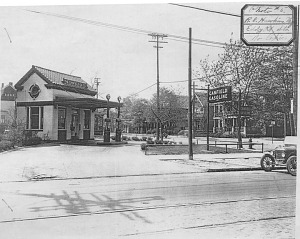 Canfield filling station, Lakewood, Ohio, 1918