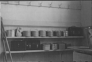Lunch pails in a rural school, Wisconsin, 1939