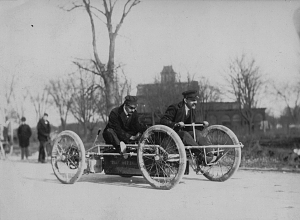 Andrew Riker racing, 1901