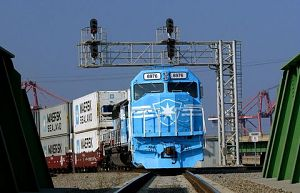 Container train leaving the Port of Los Angeles