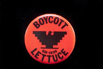 Protest button, around 1970