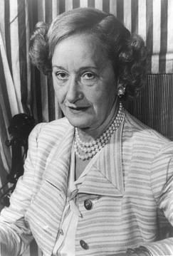 Hattie Carnegie, 1886–1956