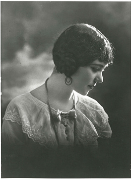 Carmen Celia Beltrán, 1925