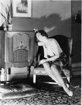 Female consumer with radio, 1920-1930